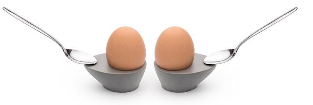 Concrete egg holder