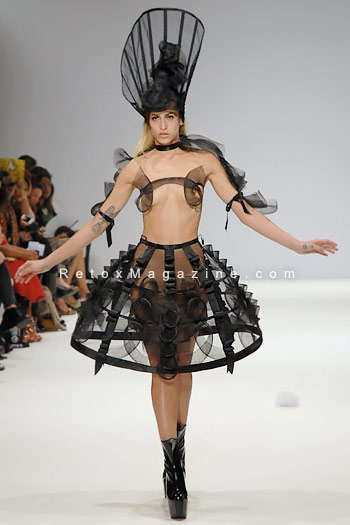 Pam Hogg, London Fashion Week, catwalk image32