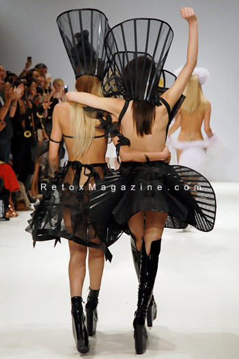 Pam Hogg, London Fashion Week, catwalk image34